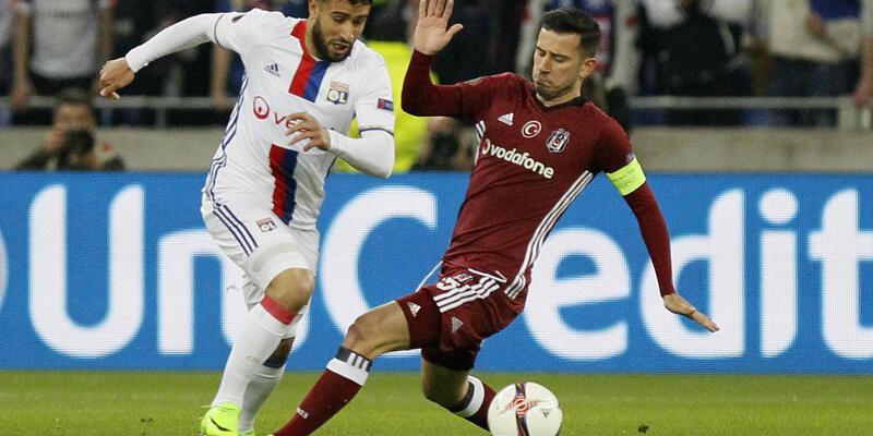 Beşiktaş-Lyon maçında 15 kulüp Oğuzhan'ı izleyecek