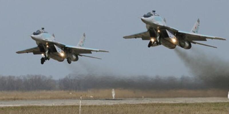 Rusya, askeri uçaklarının yarısını Suriye'den çekti