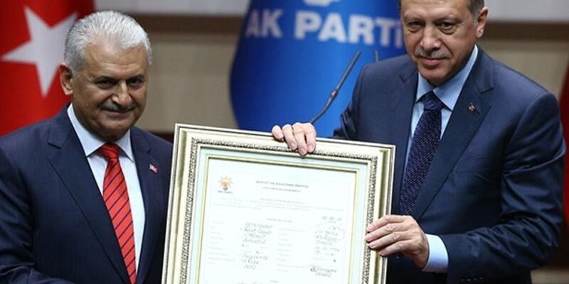 Cumhurbaşkanı Erdoğan AK Parti'ye geri döndü
