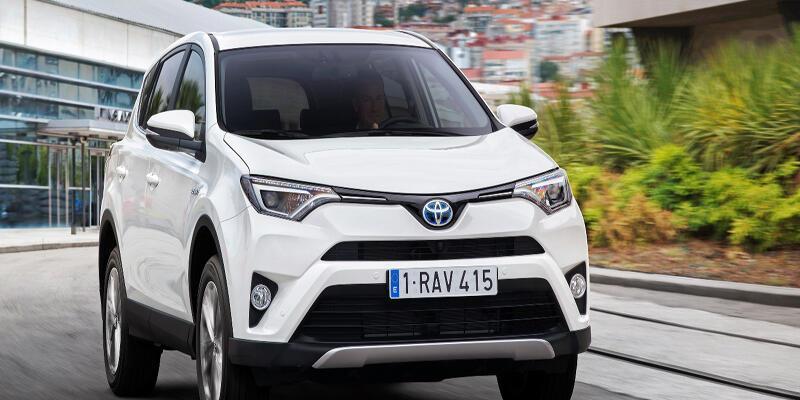 Toyota hibrit RAV4 173 bin TL'den başlıyor