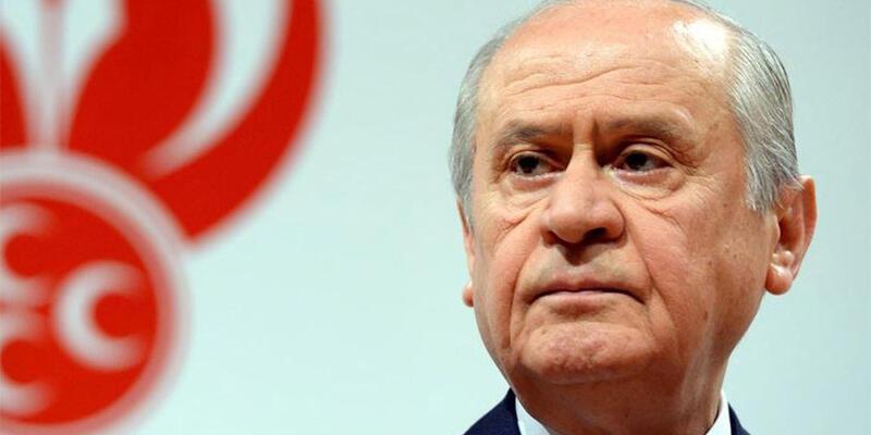 Devlet Bahçeli'nin eski sağ kolu MHP'yi bıraktı
