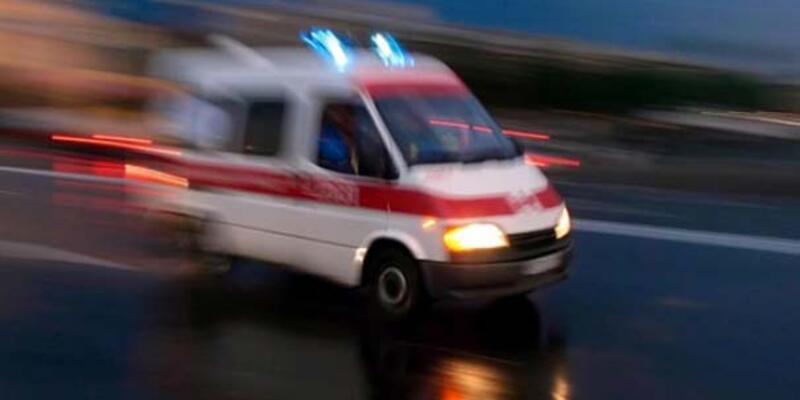 Bergama'da traktör devrildi: 1 ölü, 2 yaralı