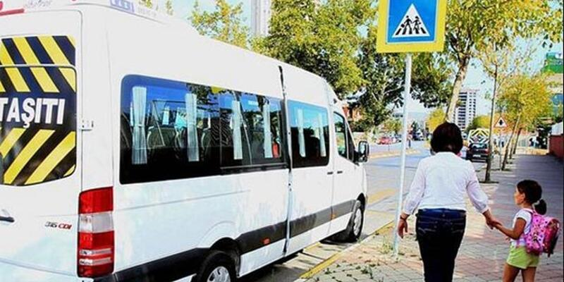 İnsan kaçakçıları okul servislerini kiralıyor: Kaçakçıları 10 liraya taşıyorlar