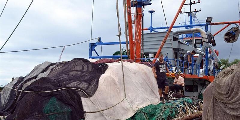 Balıkçılara fırtına engeli: Limanda kaldılar
