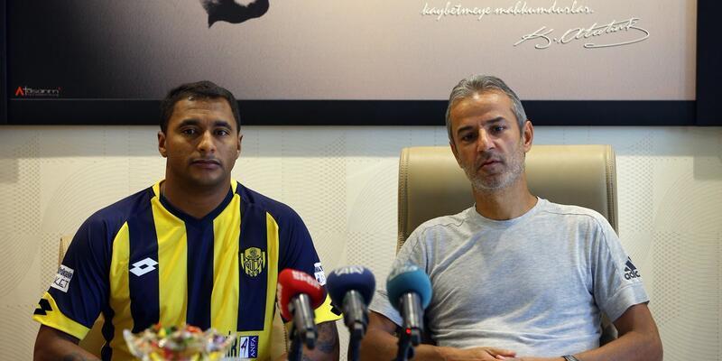 Ankaragücü Başakşehirli Doka'yı transfer etti