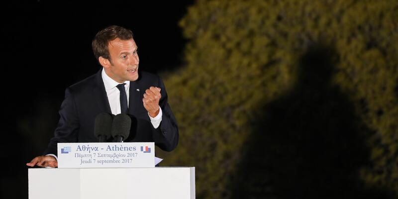 Macron'dan Yunanistan'a yatırım çağrısı