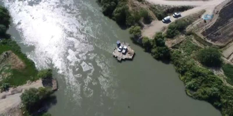 Araçlar, 150 yıldır nehirden salla geçiriliyor