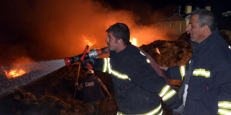 Alevler köylülerin kışlık erzağı ve 4 bin balya samanını kül etti