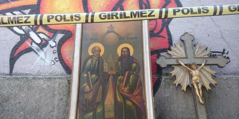 Beyoğlu'nda kiliseyi soydular