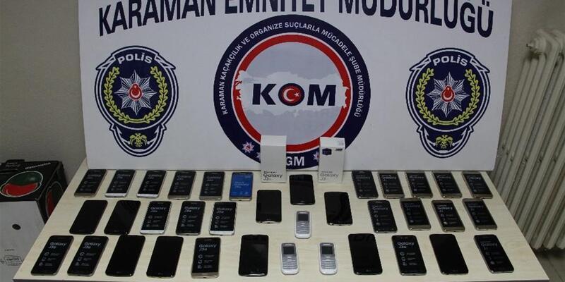 Çok sayıda kaçak cep telefonu ele geçirildi