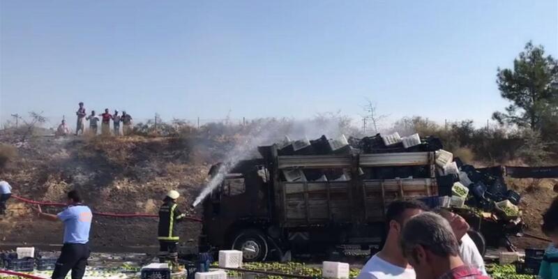 Kamyonla çarpışan tanker, alev alev yandı