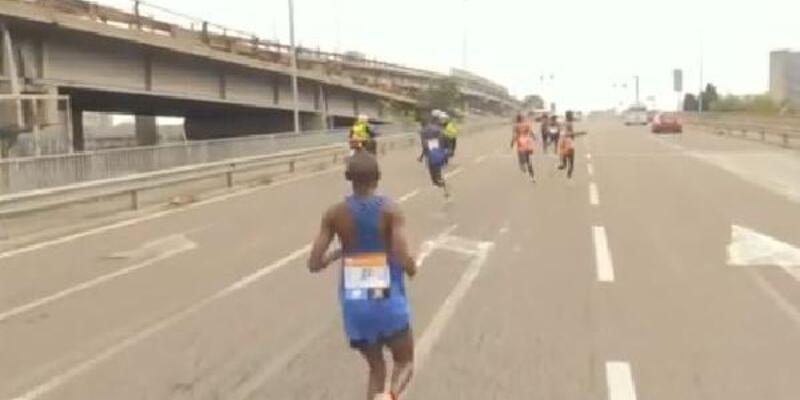 Rakipler yolu şaşırınca maratonu o kazandı