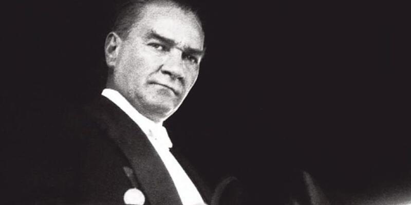 E artık Atatürk'ü de yeniden müfredata alıversinler gari