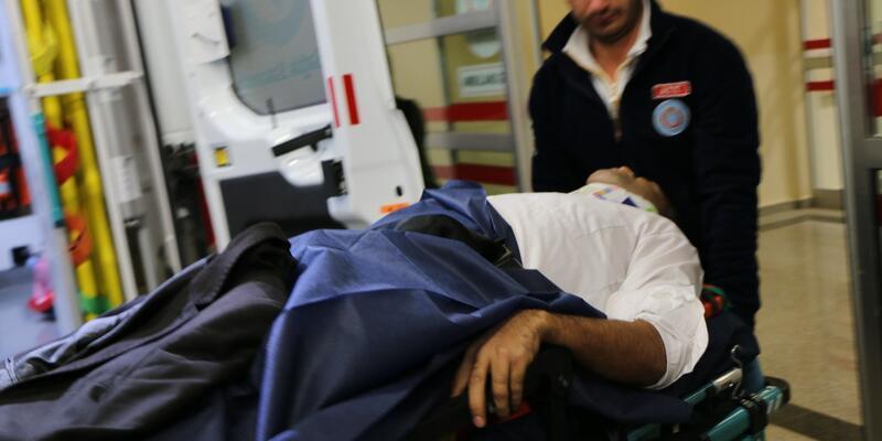 Kamyonetle otomobil ile çarpıştı: 10 yaralı
