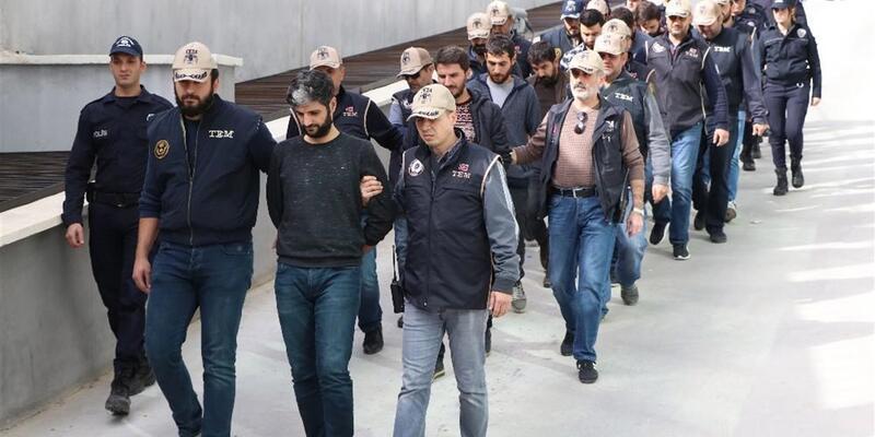 Mersin'de polis servis aracına saldırının zanlıları yakalandı