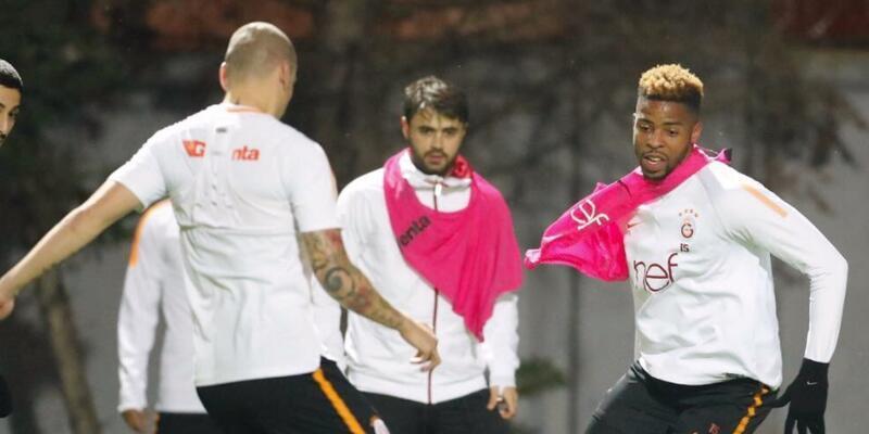 Galatasaray'da 3 futbolcu takıma döndü