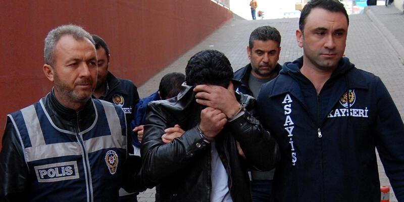 İlahiyatçı profesörü dolandıran 2 kişi tutuklandı