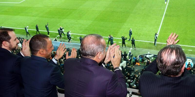 Cumhurbaşkanı Recep Tayyip Erdoğan Beşiktaş'ı kutladı