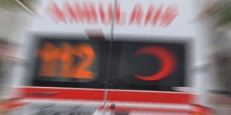 İzmir'de korkunç kaza: Yola savrulan motosikletliye otomobil çarptı