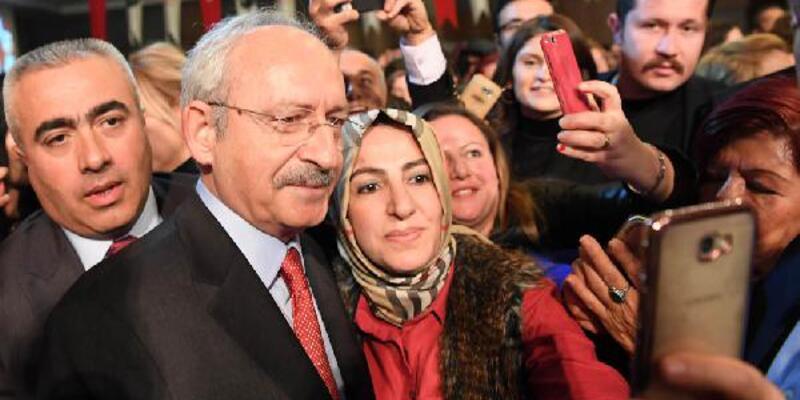 Kılıçdaroğlu öğretmenlerle bir araya geldi