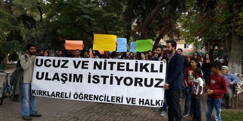 Kırklarelili öğrencilerden 'ulaşım zammı' protestosu