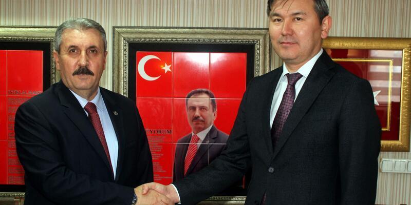 Destici: Büyük Birlik Partisi, Türk dünyasının da partisidir