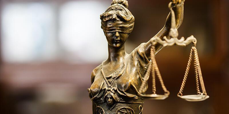 FETÖ sanığı 2 avukata toplam 21 yıl hapis cezası