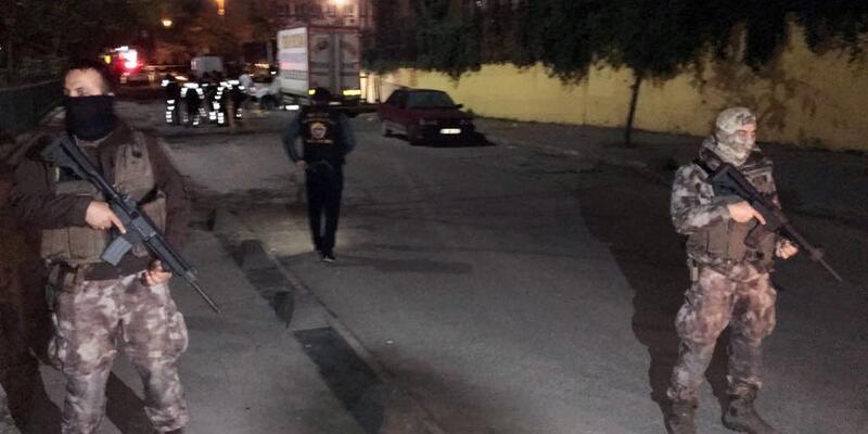 Son dakika... İstanbul Bağcılar'da silahlı çatışma: 1'i öğrenci 5 yaralı