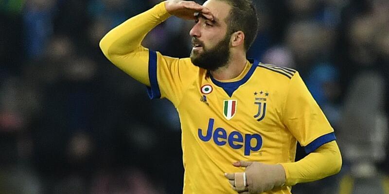 Juventus Napoli'yi devirdi, Serie A karıştı