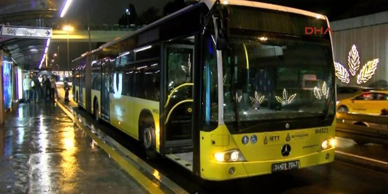 Metro, metrobüs, otobüs ve minibüsler çalışıyor mu? Tam kapanmada toplu ulaşım ne durumda?