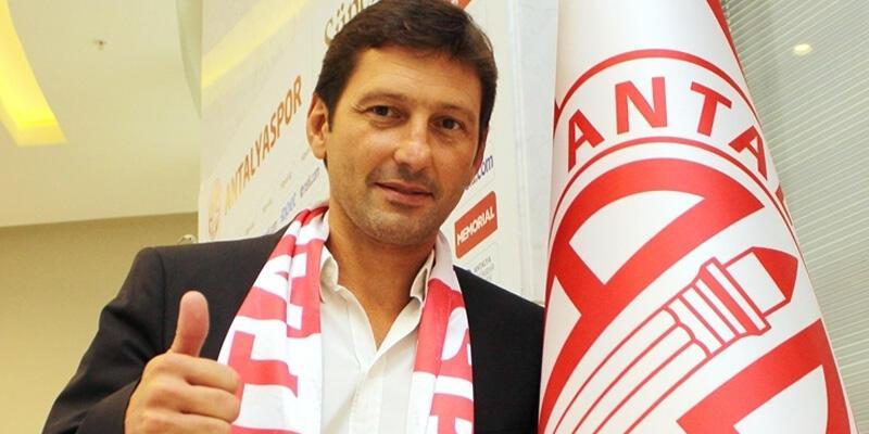 Antalyaspor'da Leonardo ile yollar ayrılıyor
