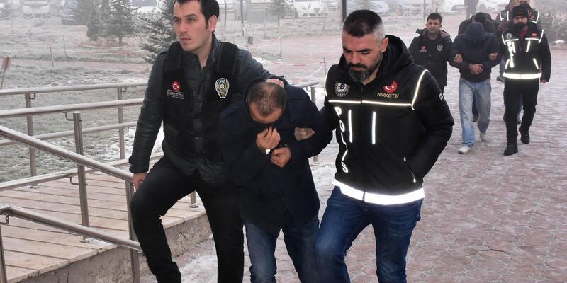 Sivas'ta uyuşturucu operasyonu: 4 gözaltı