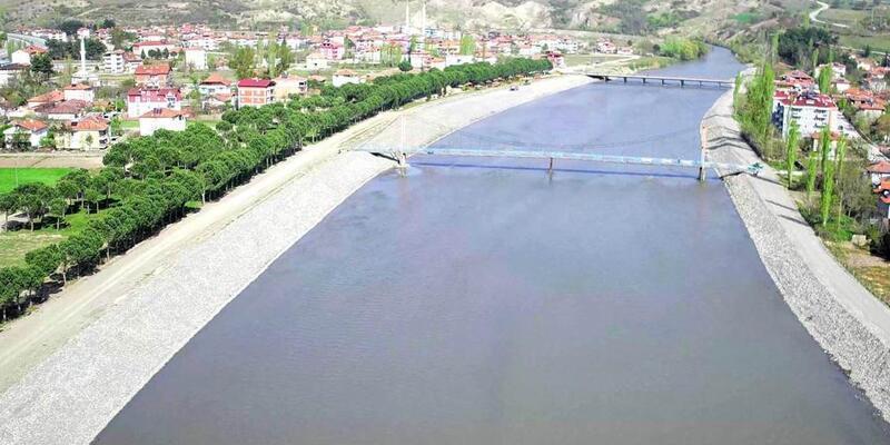 Taşova'da Yeşilırmak Nehri'nin taşkın riski ortadan kaldırılacak