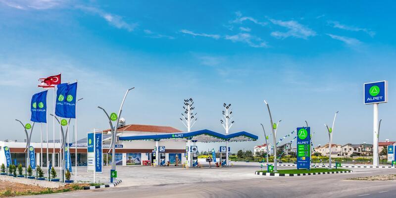 Türkiye'nin kendi enerjisini üreten ilk akaryakıt istasyonu