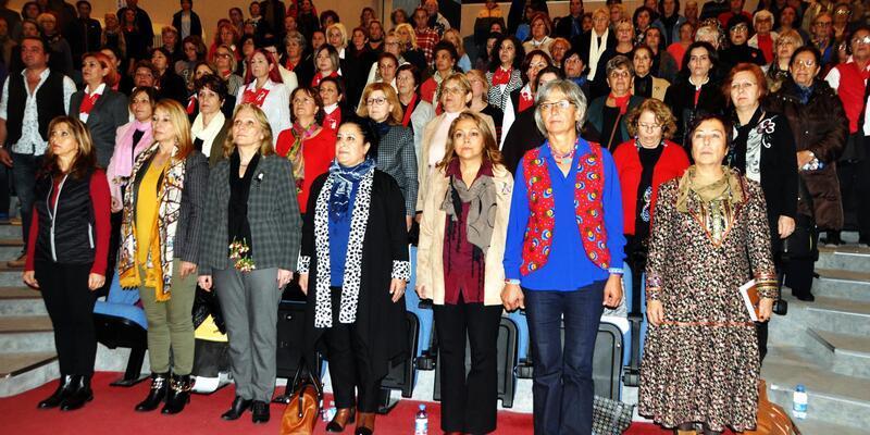 CHP Bodrum Kadın Kolları'nda Emel Çakaloğlu, güven tazeledi