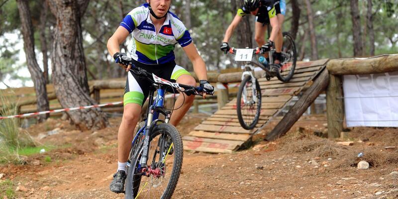 Kepez'de pedallar yarıştı