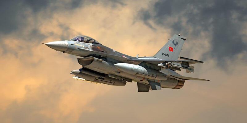 Türk pilot Afrin harekatında tarihe geçti: 20 metreye kadar alçaldı
