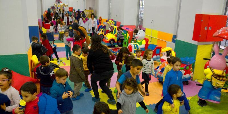 Hakkari'nin ilk Çocuk Oyun ve Kültür Merkezi hizmete açıldı