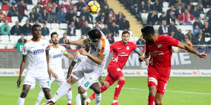Antalyaspor: 3 - Aytemiz Alanyaspor: 1 / Maç Özeti