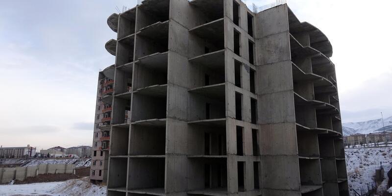 Nazlıcan, 12'nci kattan atlayarak intihar etti