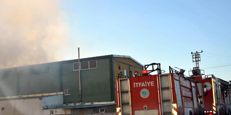 Tekirdağ'da mobilya fabrikasında yangın