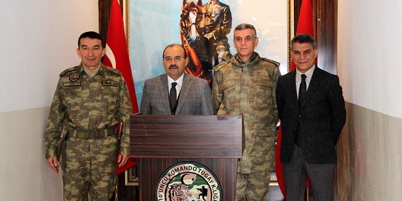Bitlis'teki komandolar Suriye'ye uğurlandı