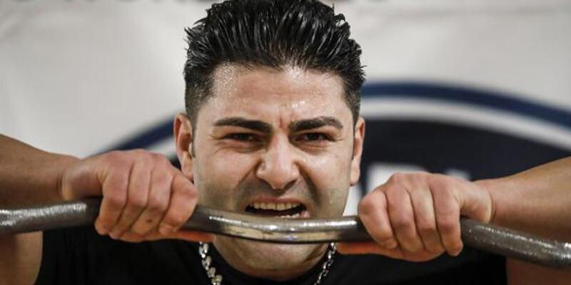 Türk sporcu 26 bin 305 kilo kaldırarak dünya rekoru kırdı