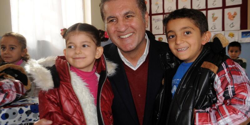 Mustafa Sarıgül'den Cizreli çocuklara yeni yıl hediyesi