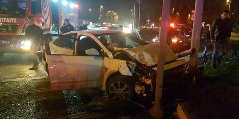 Fatih'te trafik kazası: 1'i kadın 3 yaralı
