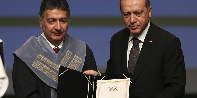 Boğaziçi Üniversitesi Rektörü'nden tweet açıklaması: Ben o tabloyu önce Cumhurbaşkanımıza sundum