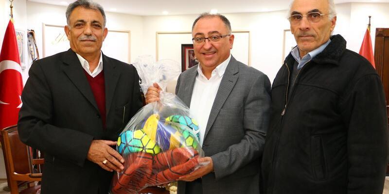 Yalova Belediye Başkanı Salman'dan Erzincan'daki köy okuluna yardım eli