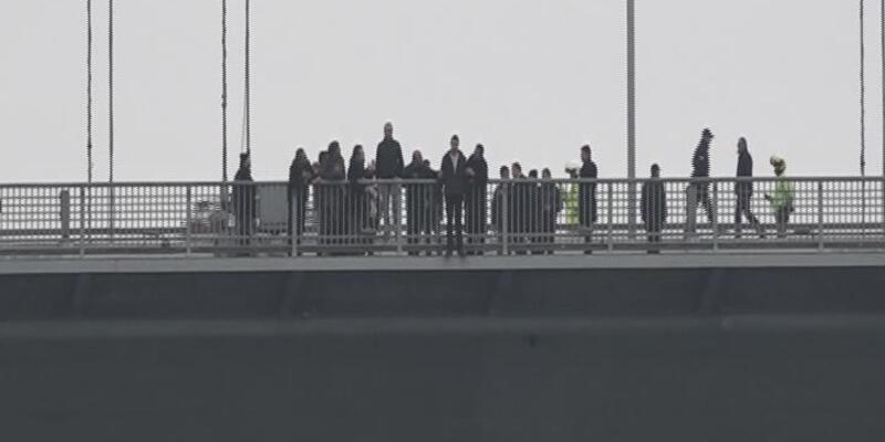15 Temmuz Şehitler Köprüsü'nde intihar girişiminde bulunan kişi ikna edildi