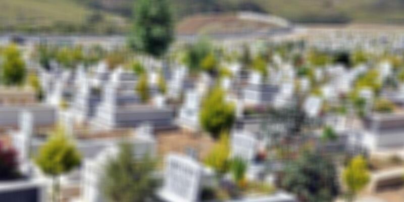Diyarbakır'da kan donduran olay! Mezarlıkta kanlı poşet içinde bulundu