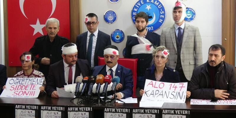 Öğretmene şiddete 'sargılı' protesto